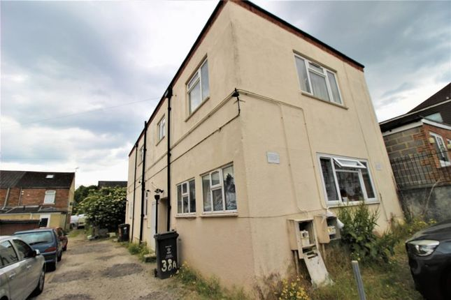 Thumbnail Flat for sale in Deacon Street, Swindon