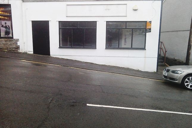 Retail premises to let in Berw Road, Tonypandy