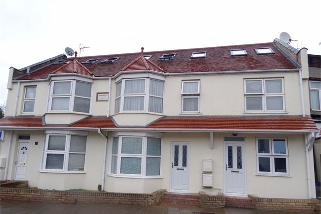 Thumbnail Maisonette for sale in Pretoria Villas, Whitchurch Lane, Edgware, Middlesex