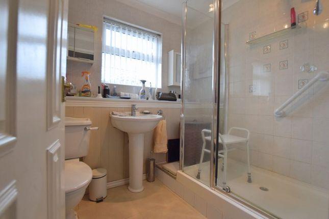 Family Bathroom of Buscot Place, Great Holm, Milton Keynes MK8