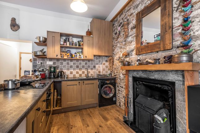 Thumbnail Flat for sale in High Street, Totnes