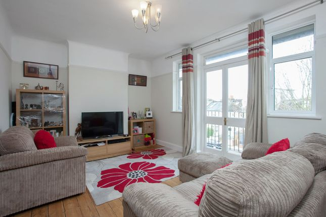 2 bed property to rent in Ryecroft House, Wimbledon