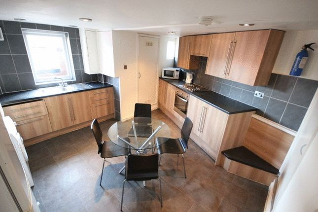 Thumbnail Terraced house to rent in Knowle Mount, Burley, Leeds