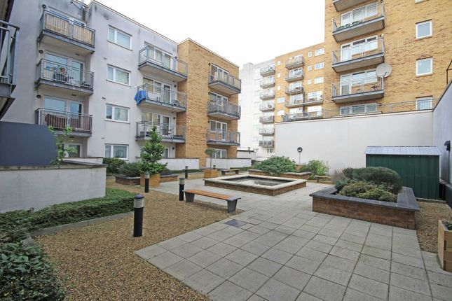 Thumbnail Flat to rent in Broadway, London