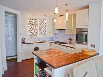 Flat to rent in East Road, Shoreditch/Old Street