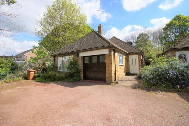 3 bed detached bungalow to rent in Avenue Road, Pinner HA5