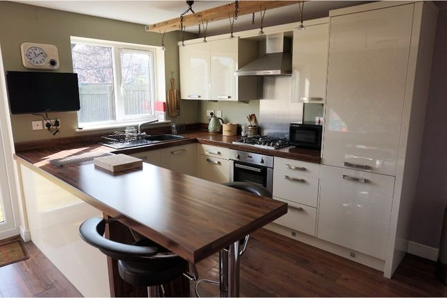 Thumbnail Semi-detached house to rent in Westerdale Road, Doncaster
