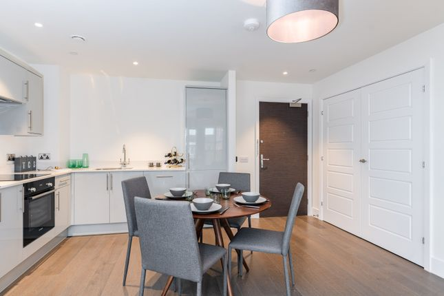 Thumbnail Flat for sale in Sycamore Road, Amersham