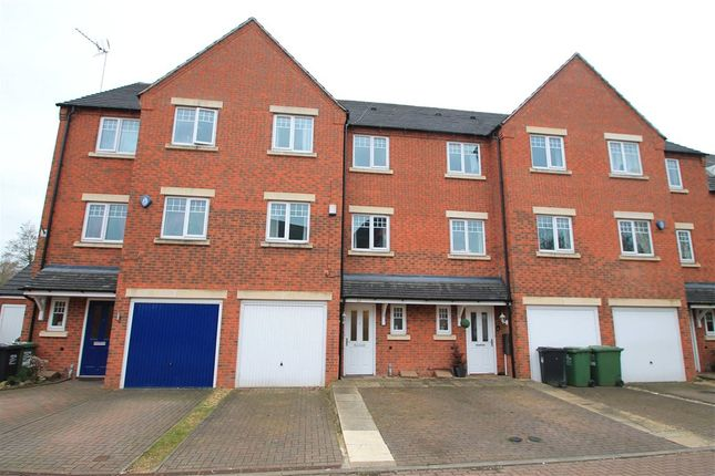 Thumbnail Terraced house for sale in Hedgerow Close, Redditch