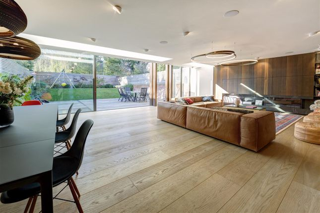 Thumbnail Property to rent in Lawn Road, Belsize Park