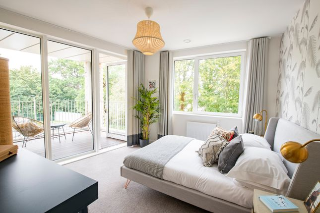 1 bed flat for sale in Medawar Drive, London NW7