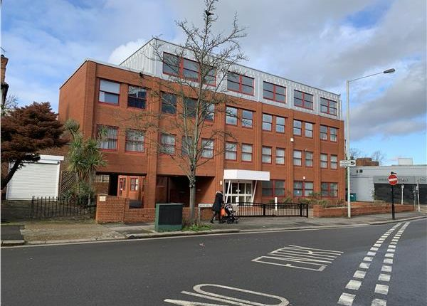 Thumbnail Office to let in Spencer House, Grove Hill Road, Harrow, Greater London