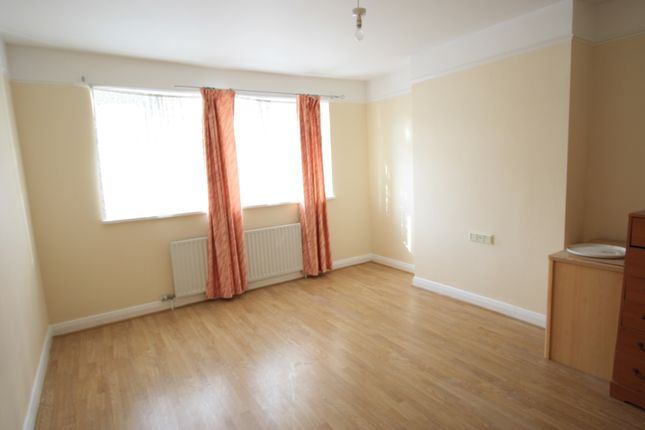 Thumbnail Terraced house to rent in Stathbrook Rd, Streatham