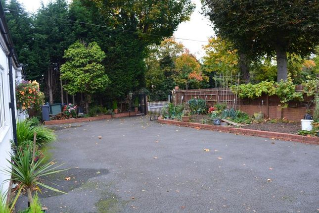Rear 1 of Kelsey Lane, Balsall Common, Coventry CV7