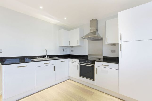 Thumbnail Flat for sale in Sceaux Gardens, Camberwell, London