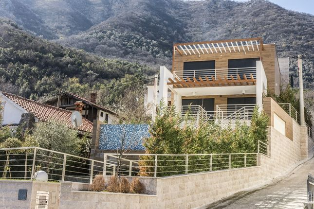 Luxury 4 Bedroom Villa On The First Line To The Sea For Sale, Stoliv, Montenegro