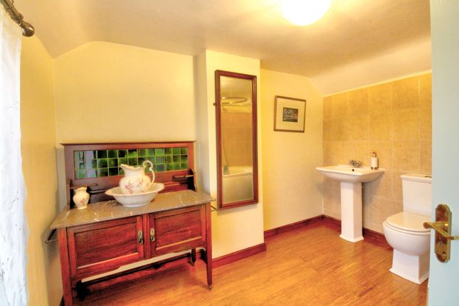 Main Bathroom1 of Oak Lane, East Ruston, Norwich NR12