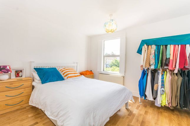 Thumbnail Maisonette for sale in Brooke Road, Stoke Newington