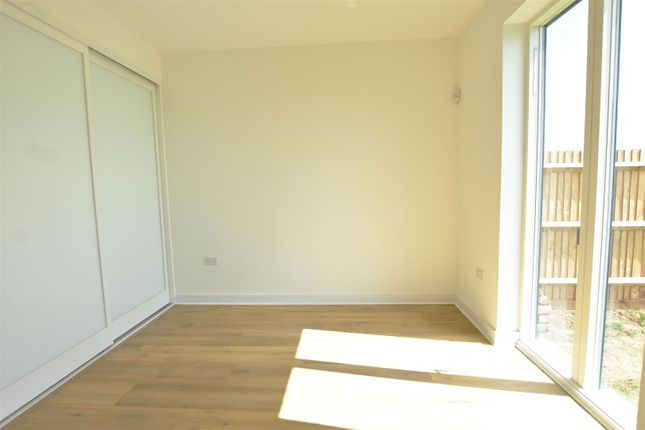 Bedroom of Manor Farm Close, Cliffe, Rochester ME3