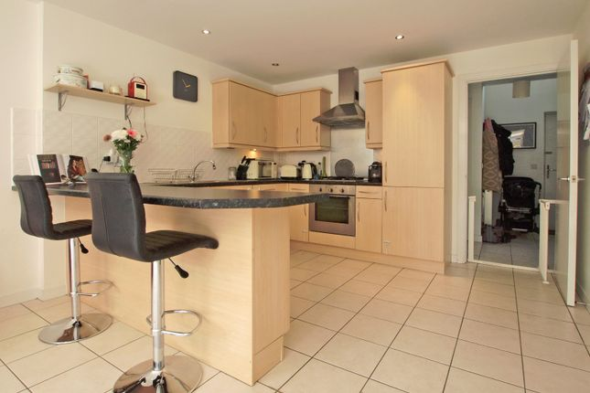 Thumbnail Town house to rent in Revere Way, Ewell