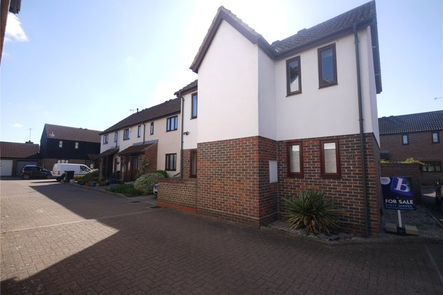 Thumbnail Link-detached house for sale in Kilnfield, Ongar, Essex