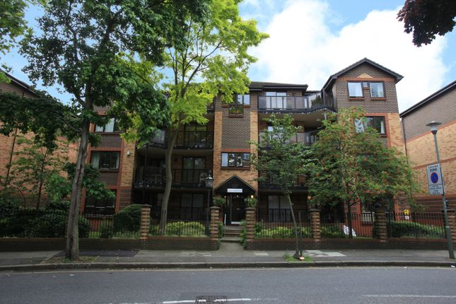 Thumbnail Flat to rent in Blyth Road, Bromley