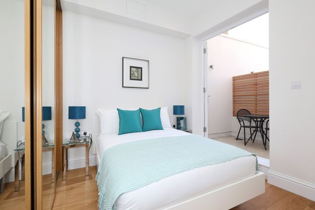 Thumbnail Flat for sale in Parsons Green Lane, London