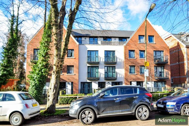 Thumbnail Flat for sale in Holden Avenue, London