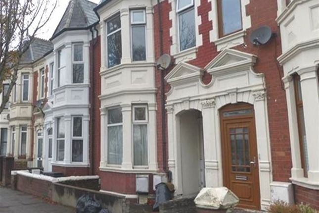 Thumbnail Flat to rent in Broad Street, Barry