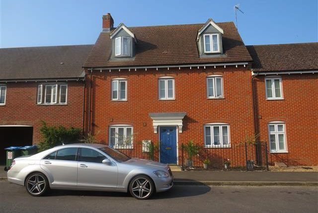 Thumbnail Town house to rent in Prince Rupert Drive, Aylesbury