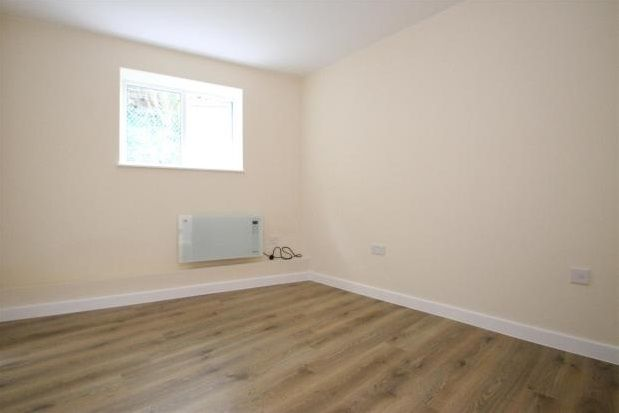 Thumbnail Studio to rent in Homesdale Road, Bromley