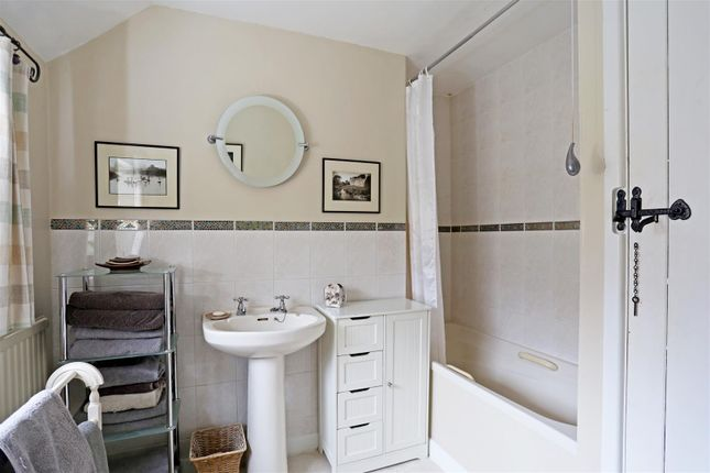 1 Yew Tree Cottages Fpz182180 (12)