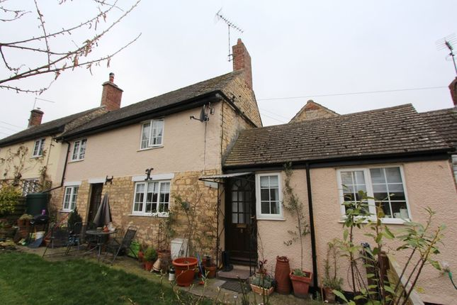 Thumbnail Cottage to rent in Main Street, Greetham, Oakham