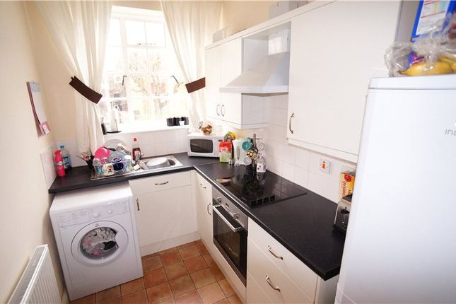 Thumbnail Flat to rent in West Crescent Road, Gravesend, Kent
