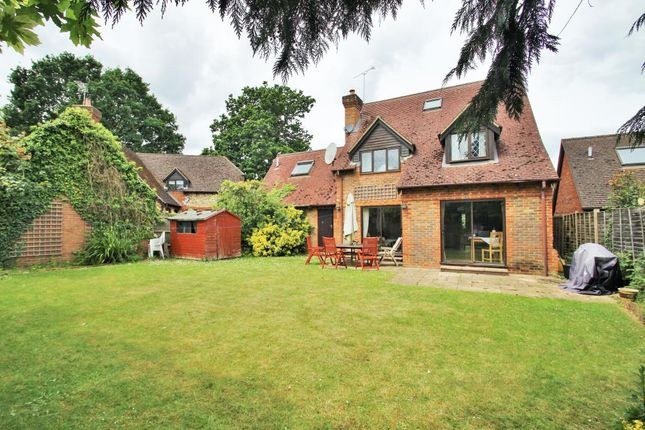 Thumbnail Detached house for sale in Chackfield Drive, Winnersh