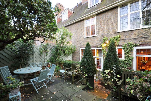 Garden of Petyt Place, Chelsea SW3