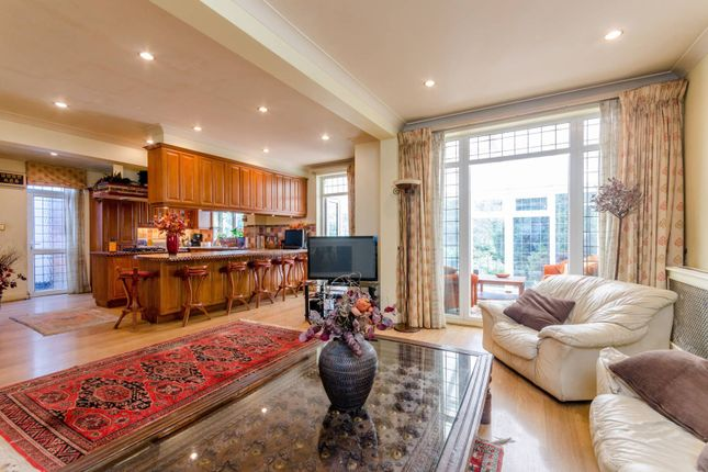 4 bed detached house for sale in Parkside, Mill Hill