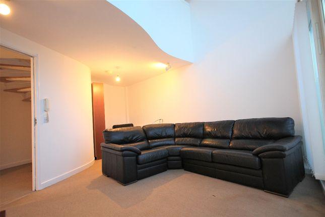 Living Room of Royal Quay, Liverpool L3