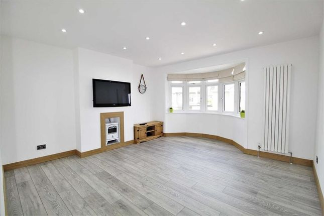 Thumbnail Maisonette to rent in Westcroft, Slough