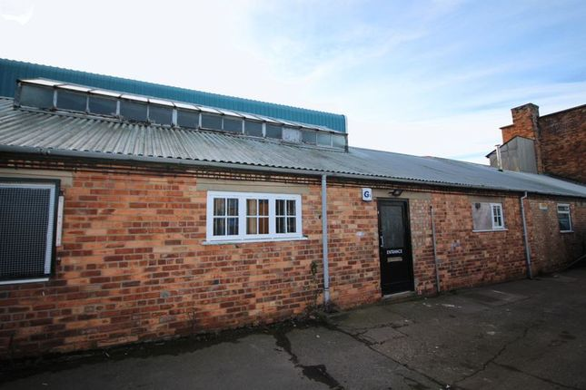 Thumbnail Commercial property to let in Former Savilles Motor Factors Unit, Banchory Square, Scarborough