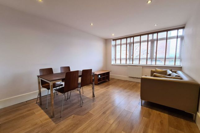 Flat to rent in Clifton Terrace, London