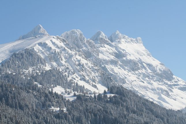 Thumbnail Chalet for sale in Villars S/Ollon - Luxury 5 Bedroom Chalet - Ski In Ski Out, On The Slopes - Ski In Ski Out!, Switzerland