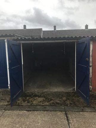 Parking/garage for sale in Lichfield, Bracknell