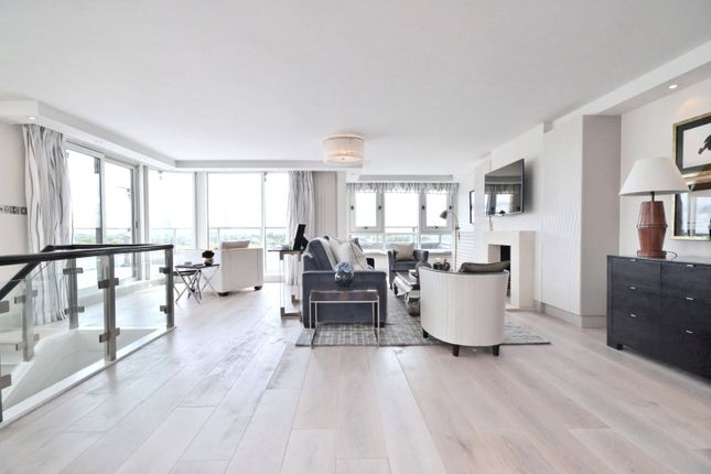 Thumbnail Flat to rent in Park St James, Prince Albert Road, St Johns Wood, London