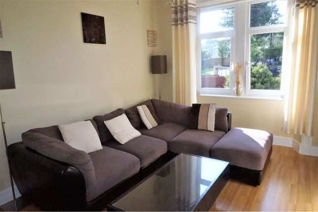 Thumbnail Flat for sale in Bowfield Road, Howwood