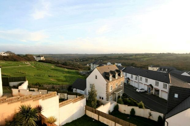 Thumbnail Property for sale in Lowen Bre, Truro
