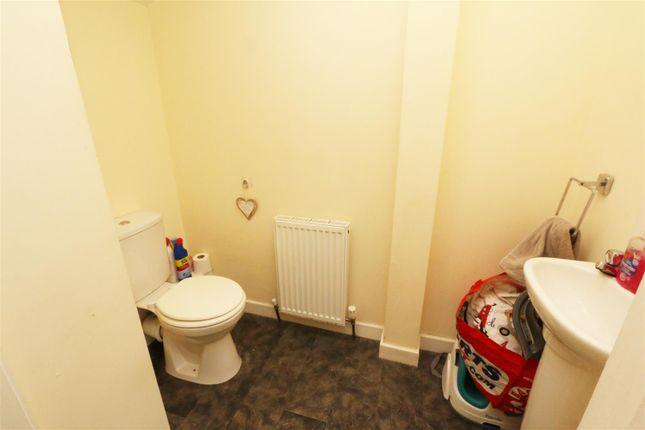 Cloakroom of Taylor Road, Bradford BD6