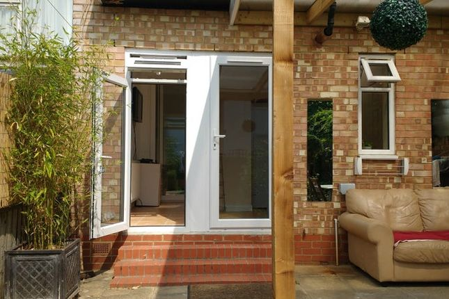Thumbnail Room to rent in Parkside Gardens, Barnet
