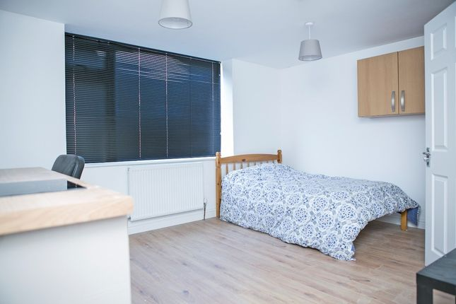Thumbnail Flat to rent in Fraser Road, Southsea