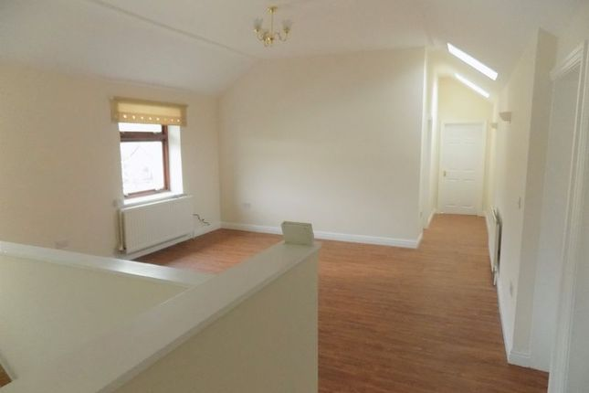 Thumbnail Flat to rent in Lisburn Road, Ystrad Mynach, Hengoed